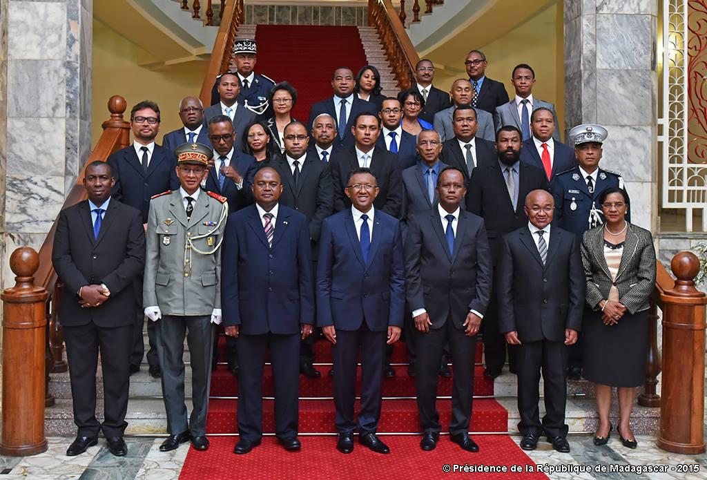 La liste des ministres du gouvernement Jean Ravelonarivo